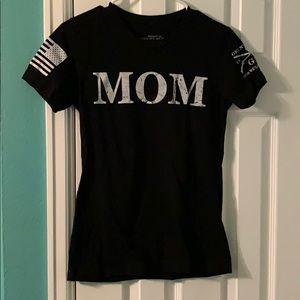 Military mom tee